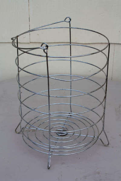 Big Easy Fryer Basket Will Hold a Whole Turke or Two Chickens