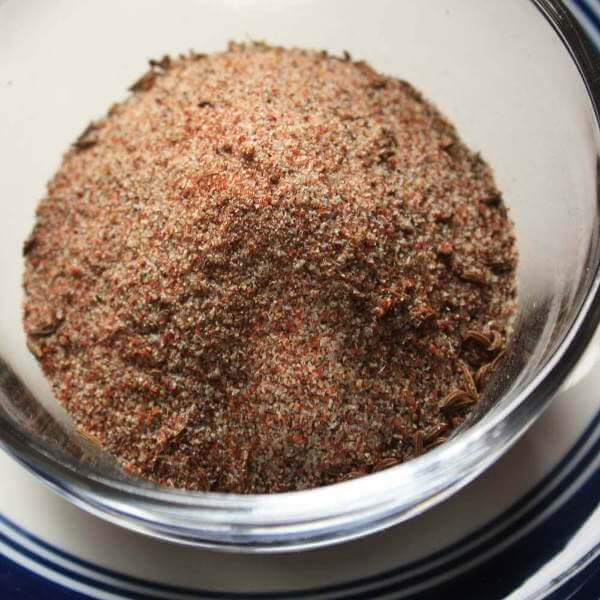 Spicy Brisket Dry Rub In a Transparent Glass Bowl