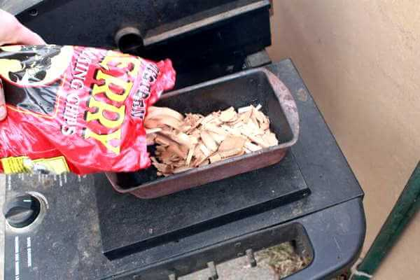 How long to soak wood chips for gas grill