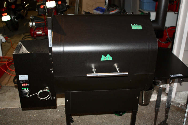 You Can Smoke or Grill With This Pellet Fueled Cooker