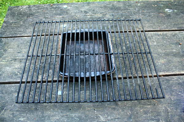 This Porcelain Coated Grill Grate Is Due For a Cleaning