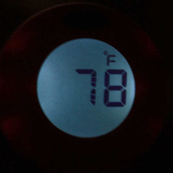 See How The Backlight Feature of The ThermoWorks ThermoPop Thermometer Looks In the Dark?