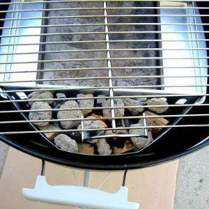 A Weber Kettle Grill Makes a Dandy Smoker In a Pinch