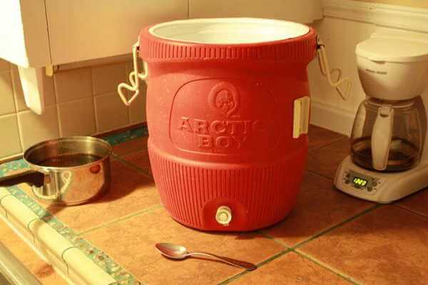 Igloo 5 Gallon Water Cooler, To Be Used as a Brining Container